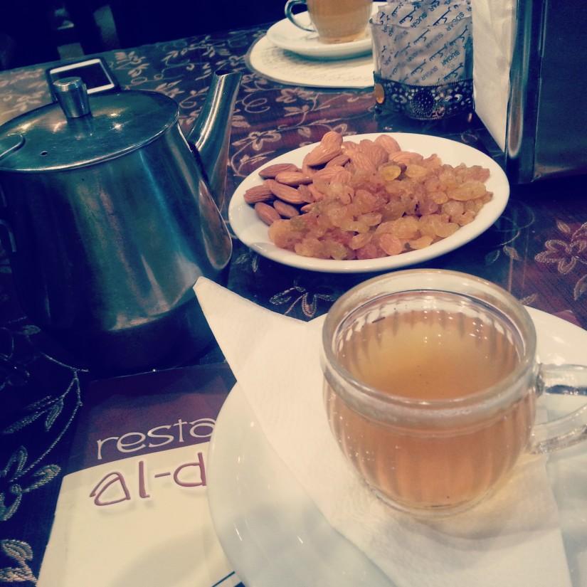 Deyar Cafe - Moroccon Tea