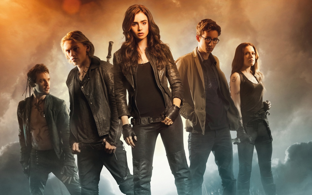 the_mortal_instruments_city_of_bones_movie-wide-dropped-like-it-s-hot-city-of-bones-director-pulls-out-of-city-of-ashes